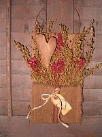 #1423 heirloom heart hanger