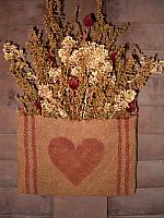 #1424 heirloom heart pouch hanger