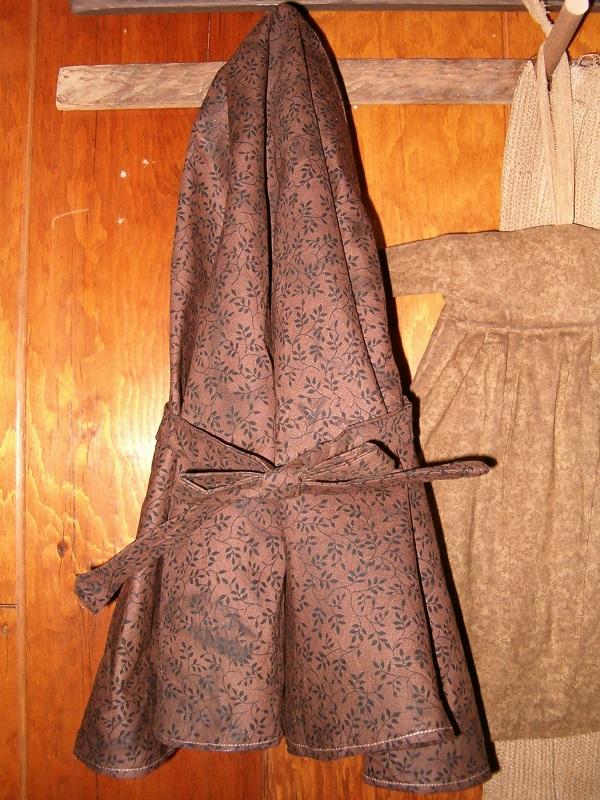 brown vine print prairie bonnet