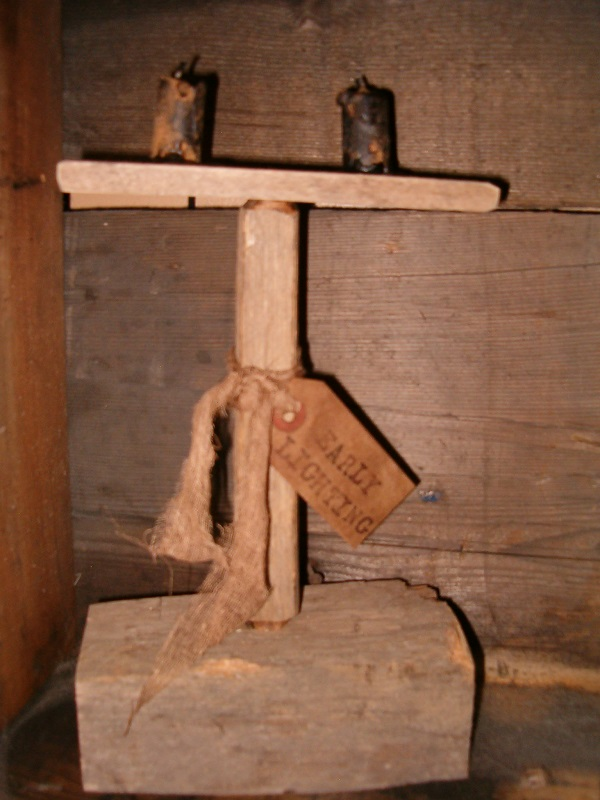 prim barnwood candle stand