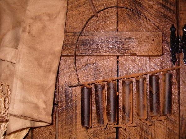 7 candle pitch nubbie mantel hanger