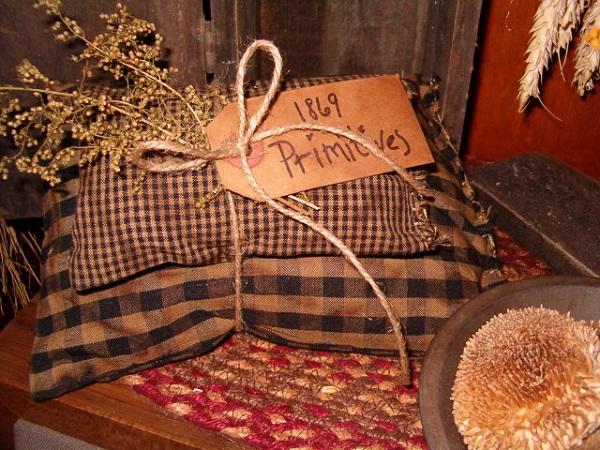 1869 primitives black pillow tuck set
