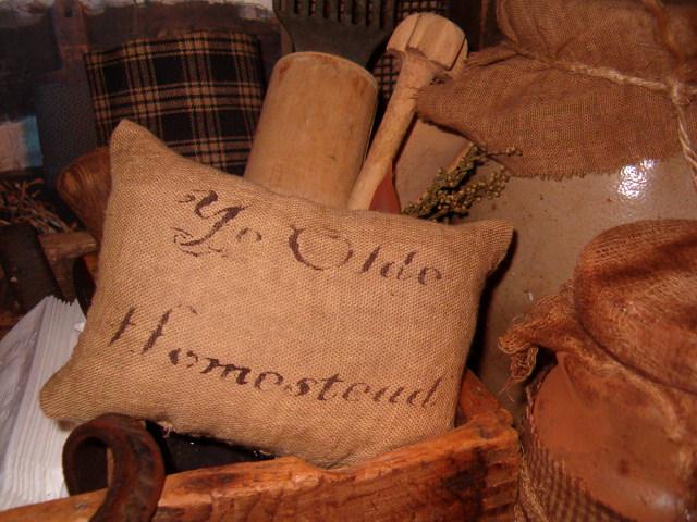 ye olde homestead pillow tuck
