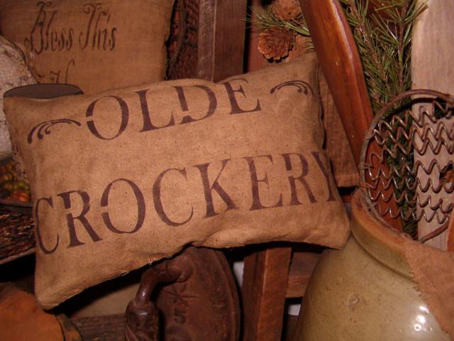 olde crockery pillow