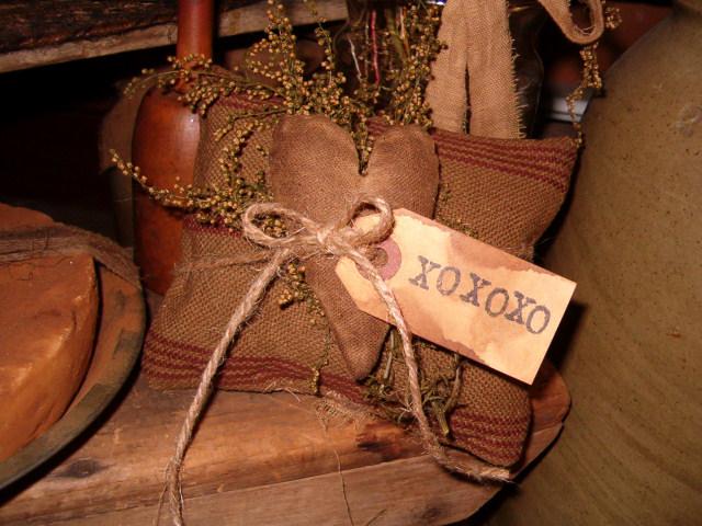 XOXOXO small heirloom pillow tuck