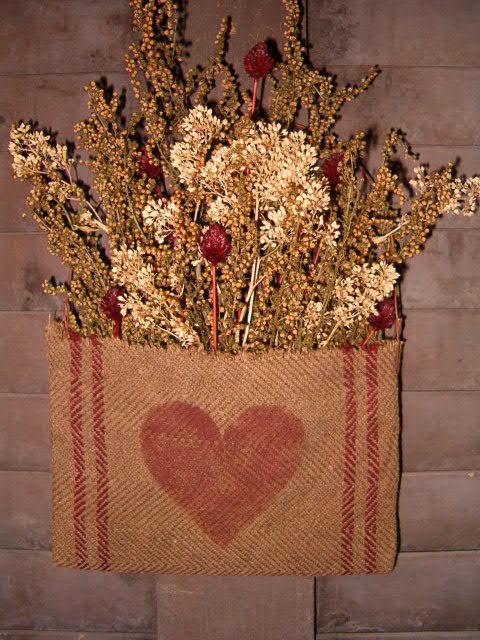heirloom heart pouch hanger