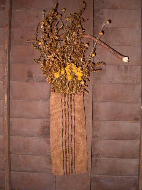 Heirloom dried floral hanger