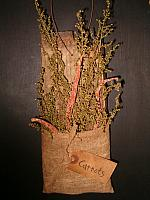 Dried carrots stave hanger