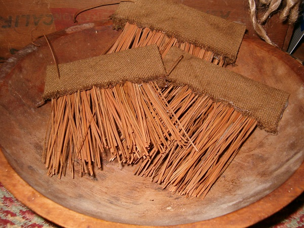 small makedo pine needle brushes