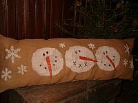 3 snowheads pillow