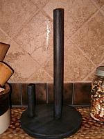 round paper towel holder