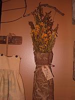 1810 floral hanger