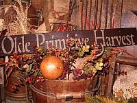 Olde Primitive Harvest sign