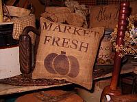 Market Fresh pillow tuck